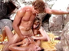 Lucky henchman worshiped by pair honeys